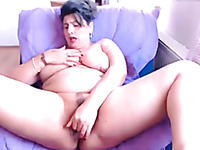 Amateur voluptuous MILF with fantastic big tits gonna masturbate a bit
