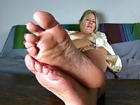 Mature feet JOI