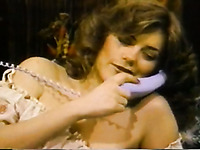 Using vibrator amateur vintage wifey masturbates her such a hungry twat