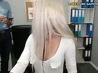 Finally she showed her pussy on cam