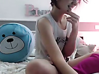 Dyed red haired nympho and her foot bragging webcam solo show