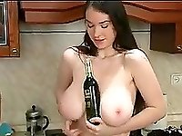 Hot Babe with big tits live on webcam showing what she got