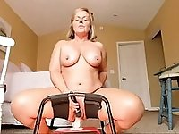 Curvy milf gets creamy cumming on bouncy dildo