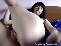 Saucy brunette hoe pokes her twat with small vibrator in amateur clip