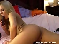 This ultra hot camgirl is comfortable with showing lots of skin for money